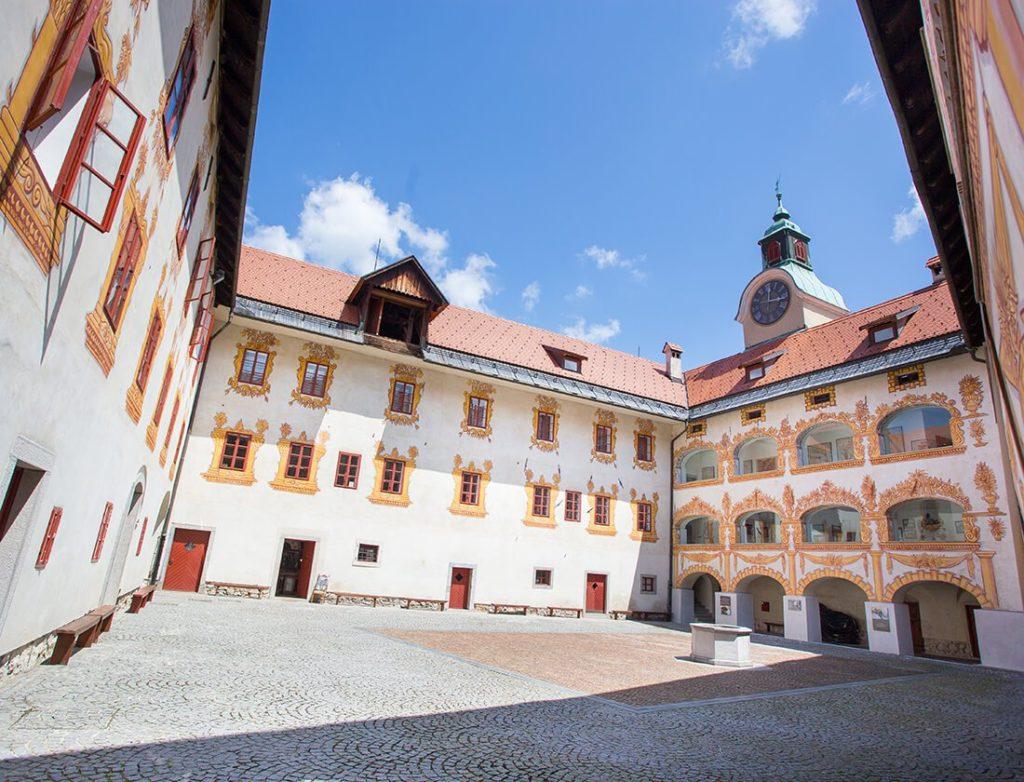 kasteel gewerkenegg idrija erfgoed vakantie reizen
