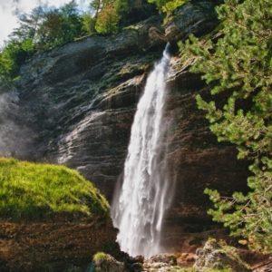 mooie Sloveense waterval Pericnik in Nationaal Park Triglav
