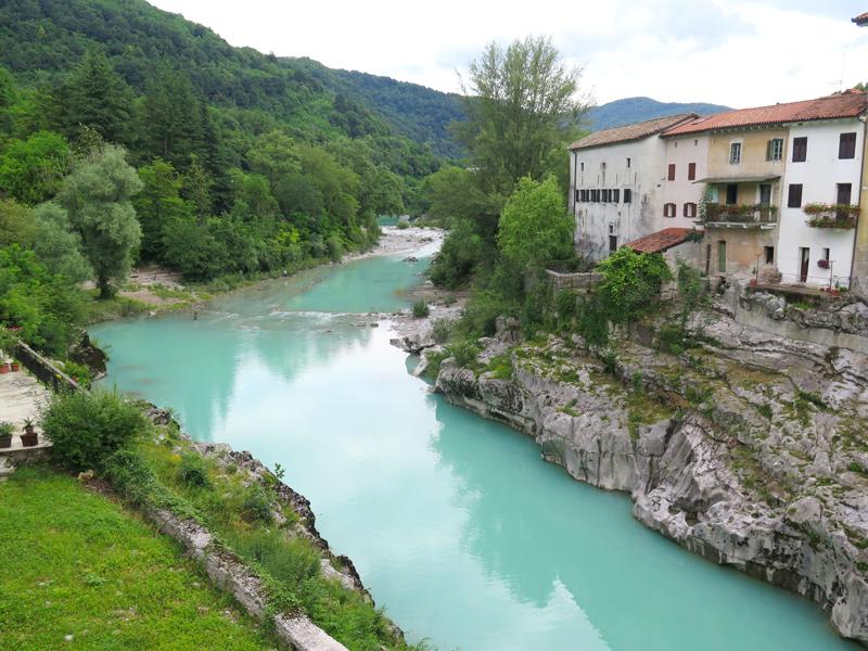 zwemlocatie van Soca rivier bij Kanal ob Soci; bron Mijn Slovenië