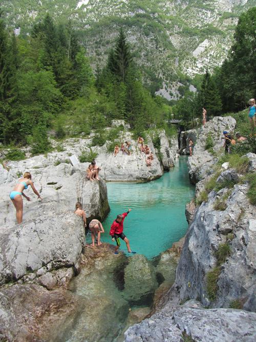 zwemmen in Soca rivier; bron Mijn Slovenië
