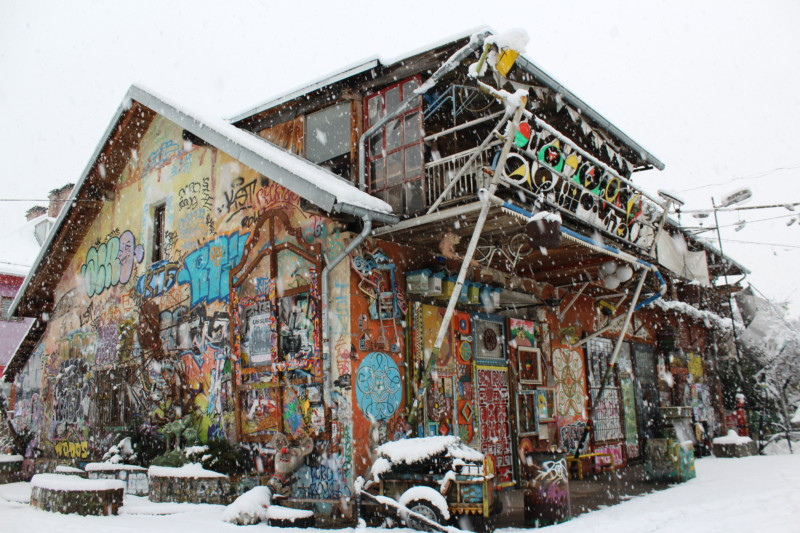 metelkova, winter