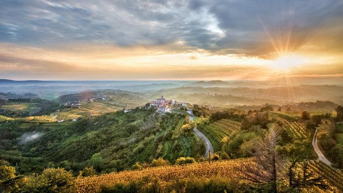 Smarno dorp in lente in Slovenie