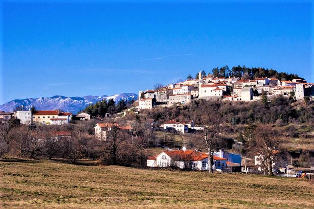 fiestvakantie Slovenie west bij Stanjel in Karst regio
