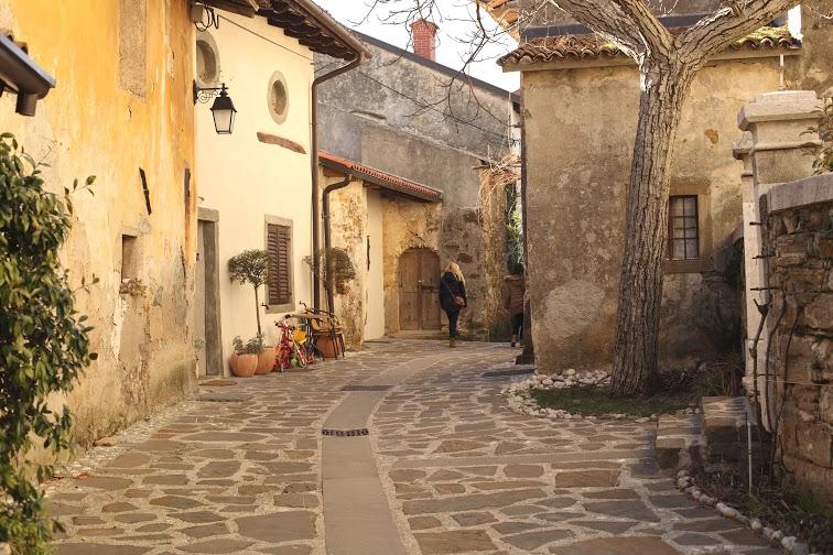 Brda dorpje Slovenie