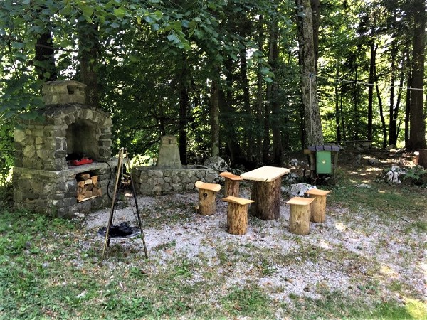 glamping_barbeque_Slovenie