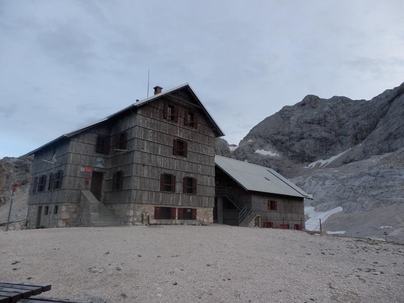 Dom Planika pod Triglavom
